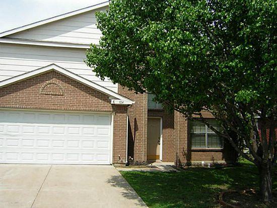 924 Beechwood Dr, Denton, TX 76210