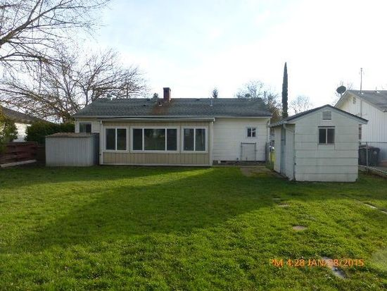 910 Winchester Ave, Medford, OR 97501