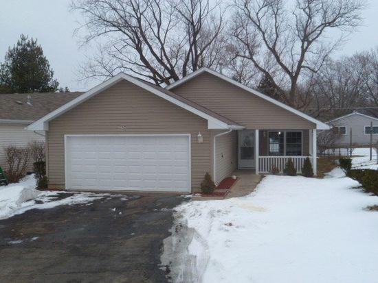 297 Corrine Ave, Crystal Lake, IL 60014
