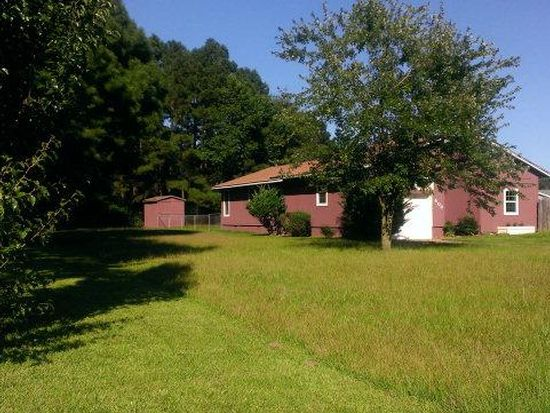 404 Robin Lake Dr, Dudley, NC 28333