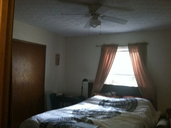 136-138 W Pacemont Rd, Columbus, OH 43202