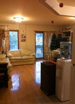8338 Cornish Ave APT 3C, Flushing, NY 11373