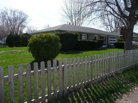 1646 Commonwealth Dr, Xenia, OH 45385