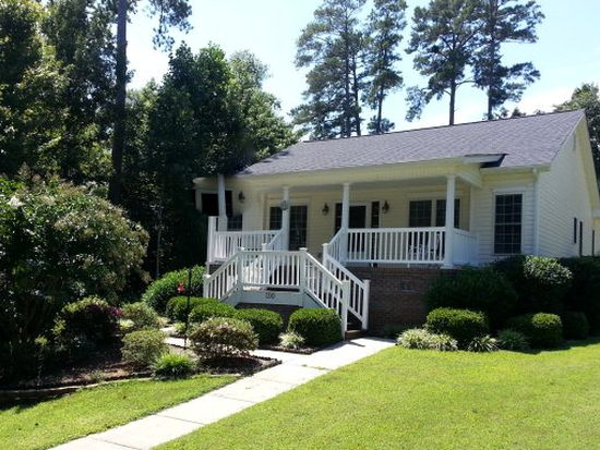 100 Blue Water Ct, Roanoke Rapids, NC 27870