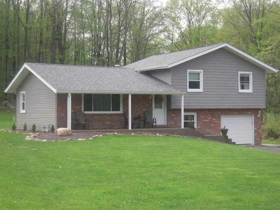 17 Raymond Dr, West Middlesex, PA 16159