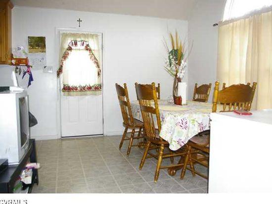 1408 Renee Ln, Highland Springs, VA 23075