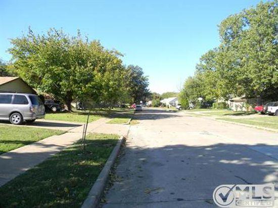 421 Forrest Hill Ln, Grand Prairie, TX 75052