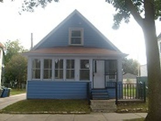 2962 N Booth St, Milwaukee, WI 53212