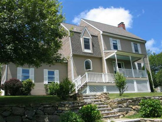 17 Cranberry Dr, Hope, RI 02831