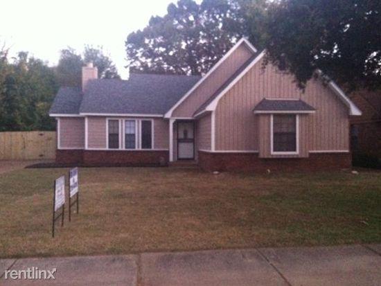 6767 Keystone Dr, Memphis, TN 38115