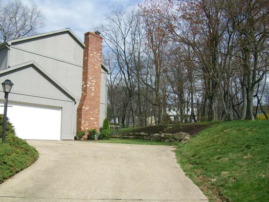 408 Forest Trail Dr, Wexford, PA 15090