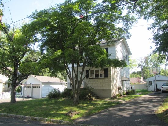 7 Forest St, Livingston, NJ 07039