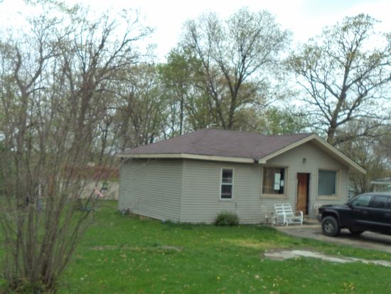 6N934 Maple Ave, St Charles, IL 60174