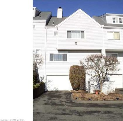 45 Country Pl, Shelton, CT 06484
