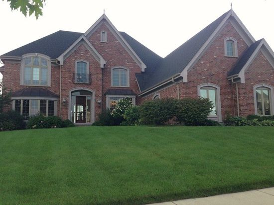 39W675 Golden Rod Dr, St Charles, IL 60175