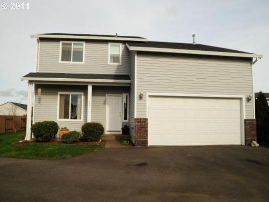 677 Mary Dr, Molalla, OR 97038