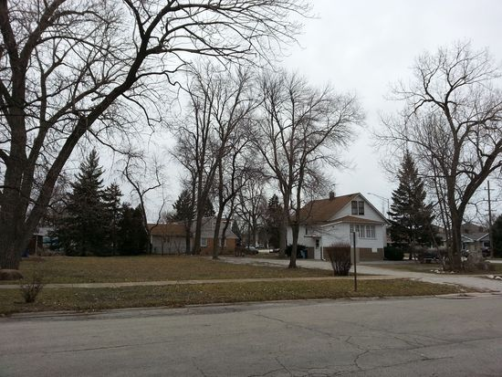 8150 Narragansett Ave, Burbank, IL 60459