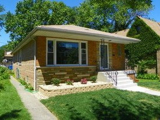 9524 S Seeley Ave, Chicago, IL 60643