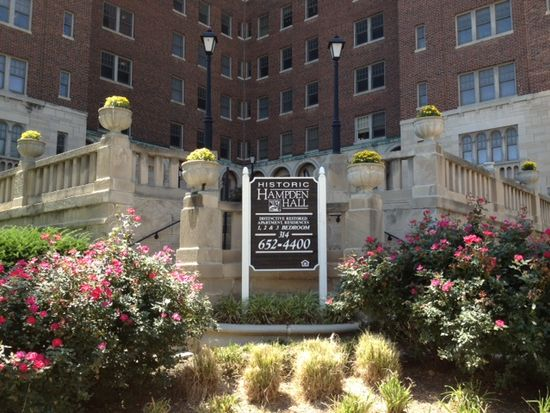 4404 Mcpherson Ave APT 1106, Saint Louis, MO 63108
