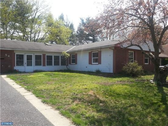 54 Club House Dr, Willingboro, NJ 08046