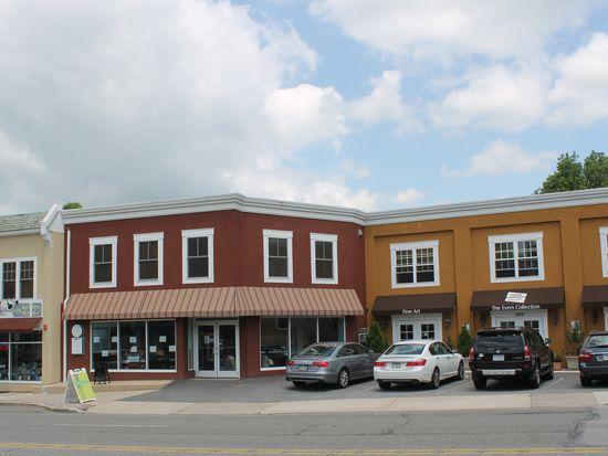 1039 W Lancaster Ave, Bryn Mawr, PA 19010