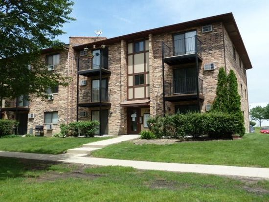 110 Klein Creek Ct APT D, Carol Stream, IL 60188