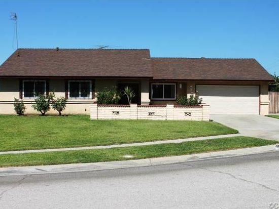 1584 Olive Tree Ln, Highland, CA 92346