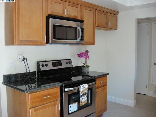 1365 Ridgecrest Rd, Pinole, CA 94564