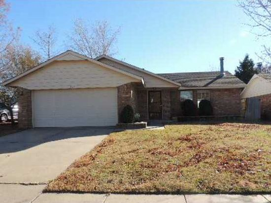 824 Coopers Hawk Dr, Norman, OK 73072