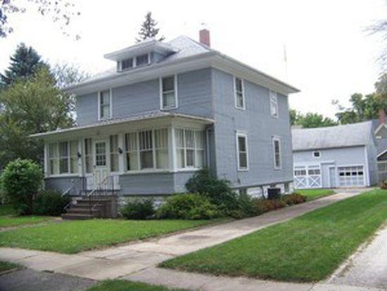 301 Maple St, Hinckley, IL 60520