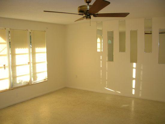265 W Tarpon Blvd NW, Port Charlotte, FL 33952