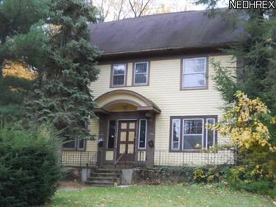 3206 Sycamore Rd, Cleveland, OH 44118