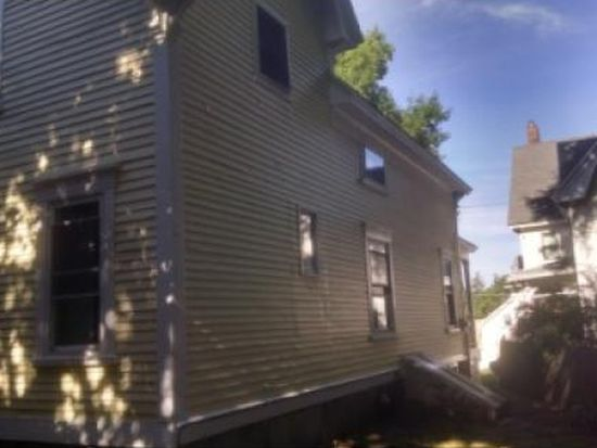 621 Hall St, Manchester, NH 03104