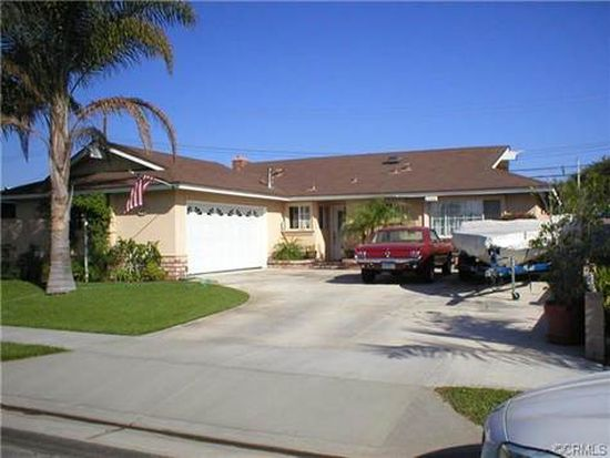 6681 Oxford Dr, Huntington Beach, CA 92647