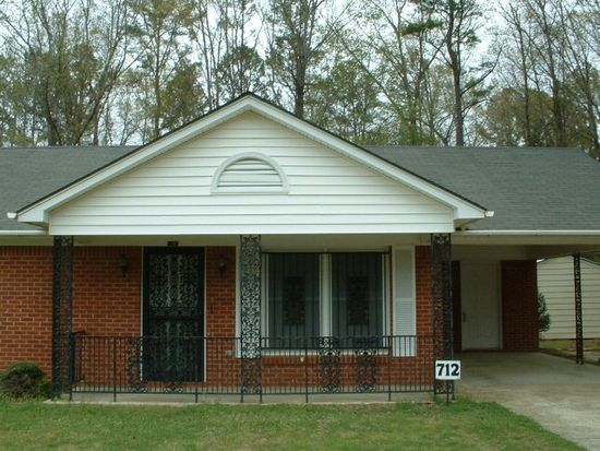 712 Market St, Water Valley, MS 38965