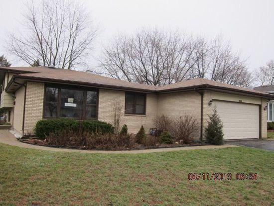 558 Eletson Dr, Crystal Lake, IL 60014