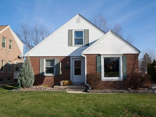 3258 S 44th St, Greenfield, WI 53219