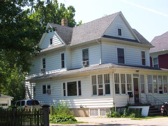 518 1/2 College Ave, Dekalb, IL 60115