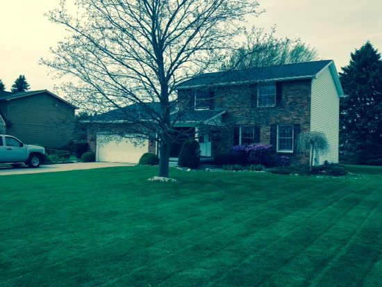 8932 Candlewood Ln, Clarence Center, NY 14032
