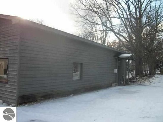 113 Main St, Fife Lake, MI 49633