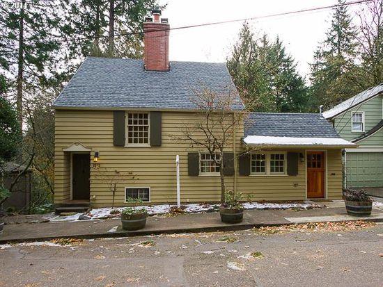 2572 SW Arden Rd, Portland, OR 97201