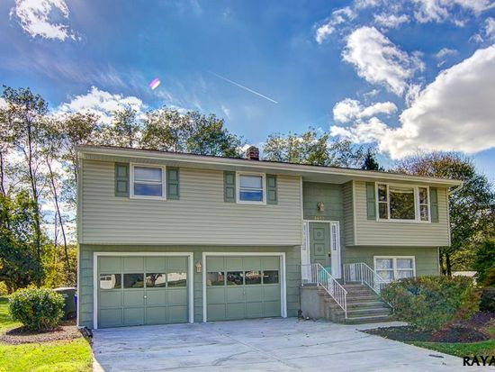 3652 Fox Chase Dr, Dover, PA 17315