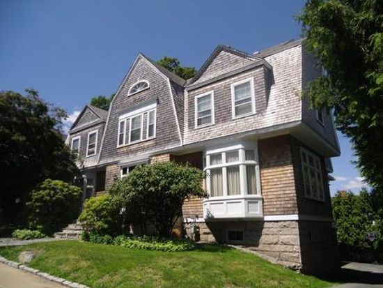 784 High St, Fall River, MA 02720