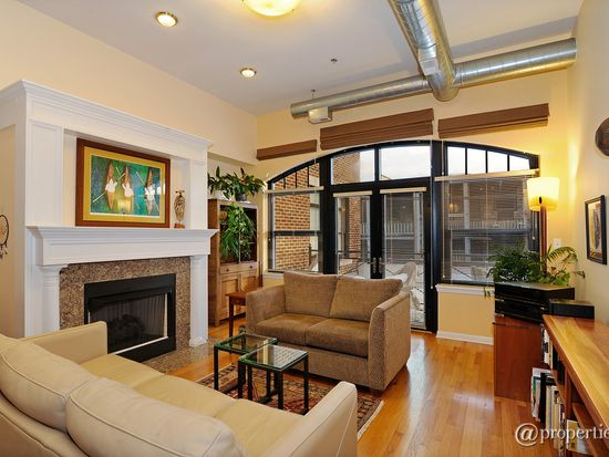 1201 W Wrightwood Ave APT 20, Chicago, IL 60614