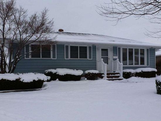 36915 Valleyview Dr, Eastlake, OH 44095