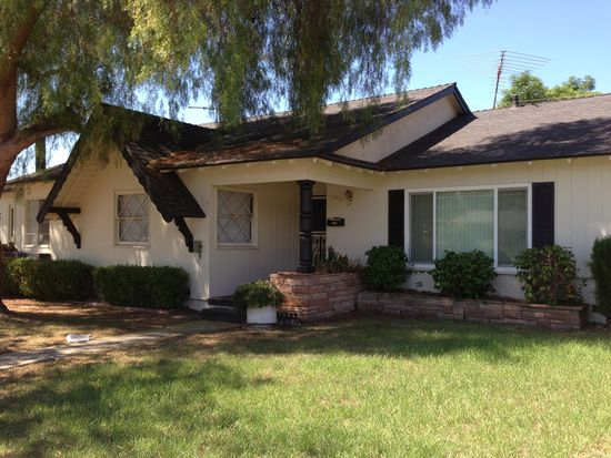 1495 N Mountain Ave, Claremont, CA 91711