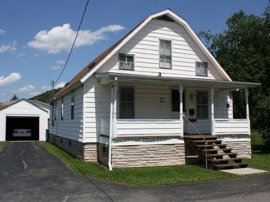 111 6th St, Rainelle, WV 25962