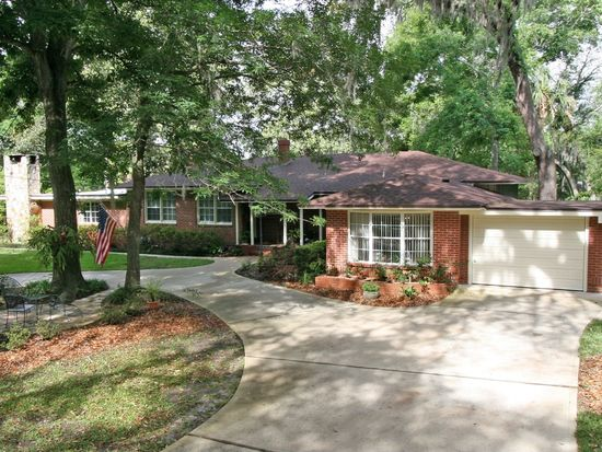 1738 Holly Oaks Lake Rd E, Jacksonville, FL 32225