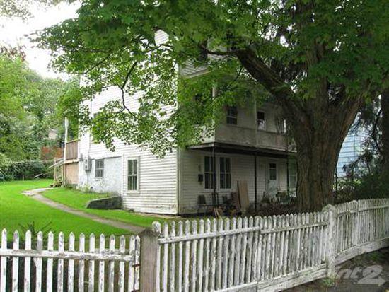 32 Pennsylvania Ave, West Warwick, RI 02893