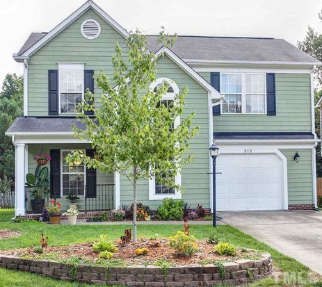 313 Stone Hedge Ct, Holly Springs, NC 27540